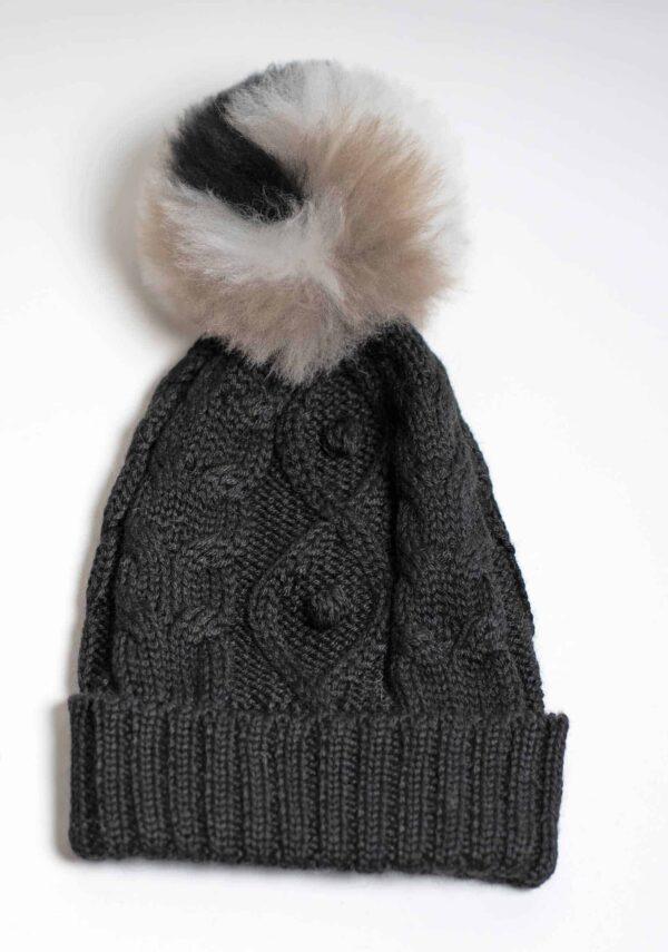 berretto nero con pompon lana alpaca